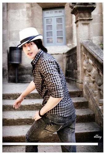 "Kim Hyun Joong ""Ready, Action!"" Spain Photobook 16"