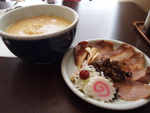 Tonkotsu ramen with grilled pork neck