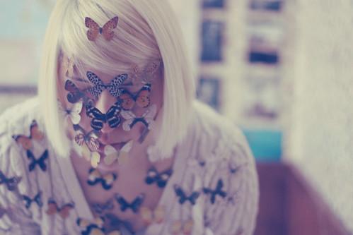 Só o silêncio faz rumor no vôo das borboletas.~ Manoel de Barros ~
