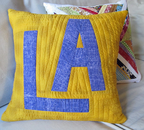 LA lakers quilted pillow front
