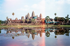 Angkor Wat (Kerb 汪) Tags: travel film cambodia angkorwat angkor kerb 柬埔寨 吳哥窟 小吳哥 fuji400 konicac35ef 24數碼服務 negative03028 konicac35film025 數碼4294 kerbwang