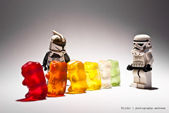 visit the troops (photography.andreas) Tags: canon germany deutschland starwars lego gummibears minifig gummybears haribo saarland gummibaerchen stormtropper goldbären eos40d canoneos40d canonefs1855mmf3556is urweiler