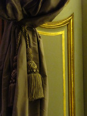 Curtain (historygradguy (jobhunting)) Tags: nyc newyorkcity newyork curtain met metropolitanmuseumofart tassle bigmomma challengeyouwinner