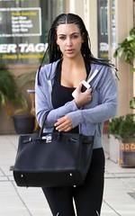 kim-kardashian-123010-4