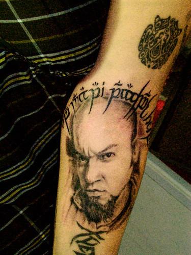 tatuajes de colmillos. Tatuaje