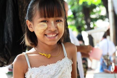 フリー写真素材, 人物, 子供, 少女・女の子, ミャンマー人,