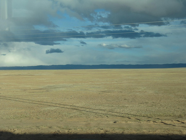 11 View of the endless plains from the Tibet-Qinghai railway