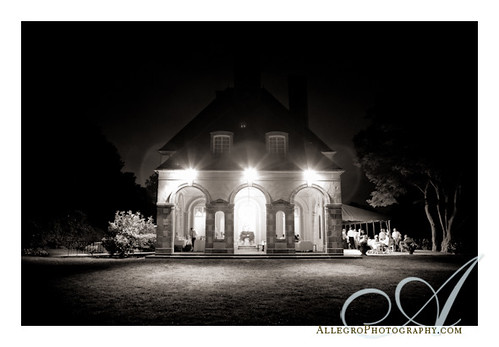 glen-manor-house-newport-ri-wedding- estate at night- romantic portsmouth