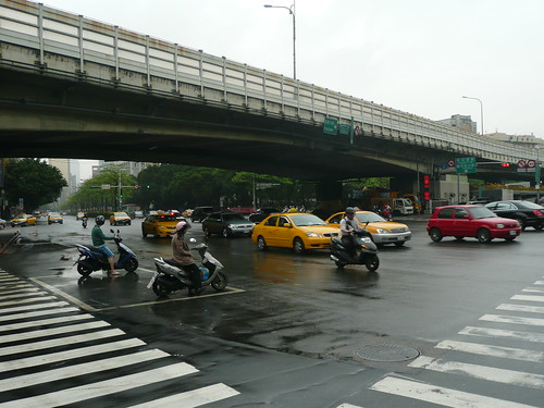 Hsin-Yi Road/Chienkuo S. Rd