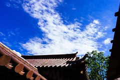 Blue Sky Clouds And Sky Good Bye Summer Low Angle View Old Architecture Sky Building Exterior Roof Traditional Japanese Traditional Old School Culture Travel Outdoors Okayama Okayama,Japan (T.M Photos) Tags: bluesky cloudsandsky goodbyesummer lowangleview oldarchitecture sky buildingexterior roof traditional japanesetraditional oldschool culture travel outdoors okayama japan