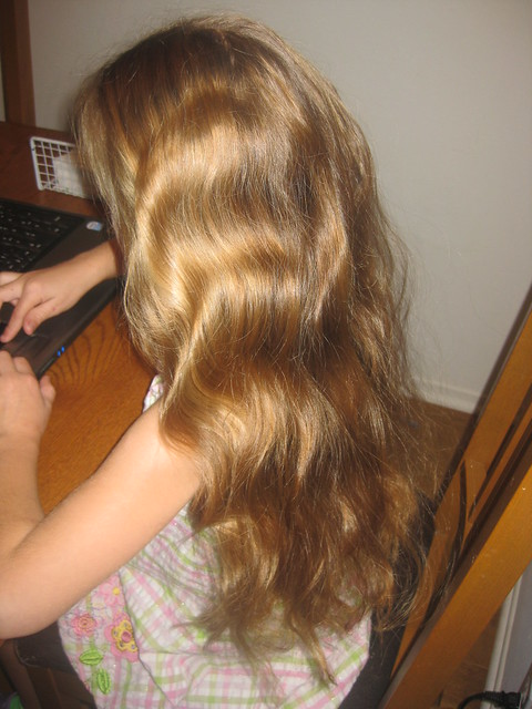 jade wavy hair