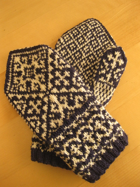 Intercultural mittens