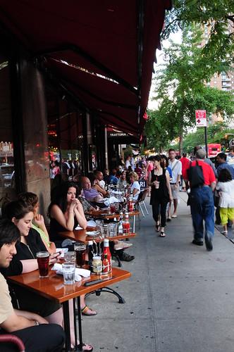 Sidewalk eating in NYC