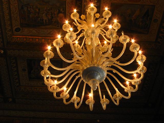 ローマの天井画とシャンデリアのフリー写真素材