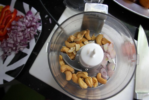 cashew & shallot