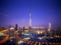 [Free Image] Architecture / Building, City / Town / Village, Tower, Night View, Burj Khalifa, United Arab Emirates, Dubai, 201107091900