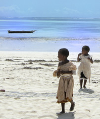 Blinded by the light (keithhull) Tags: light beach children candid indianocean zanzibar pwanimchangani explorewinnersoftheworld seeninexplore192201186