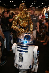 IMG_5386 - C-3PO & R2-D2 (Anime Nut) Tags: starwars celebration r2d2 cv c5 c3po
