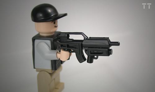 Custom minifig Tiny Tactical BA-G36 upgrades