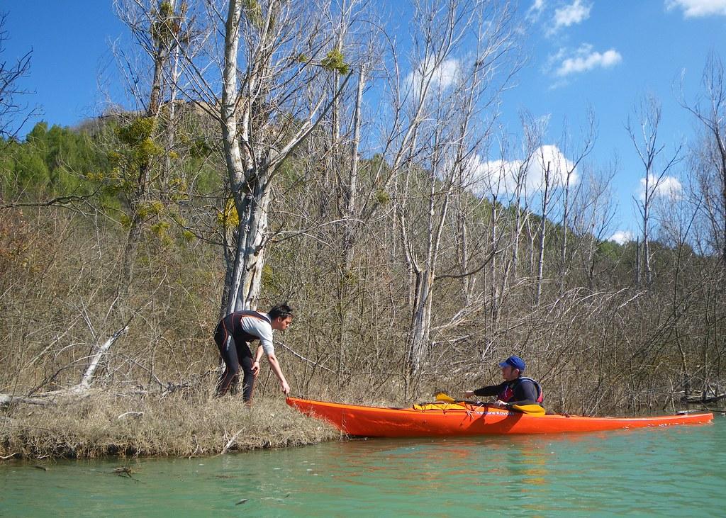 Pantano de Yesa en kayak 021