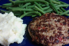 Meatloaf patties, mashed potatoes, green beans