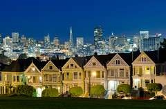Painted Ladies Blue Hour (andreaskoeberl) Tags: sanfrancisco california longexposure skyline night nikon nightshot tripod citylights bluehour paintedladies alamosquare 1685 d7000 nikon1685 cityscype nikond7000 andreaskoeberl