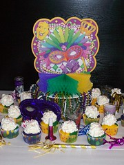 (Cake Creations by Trish) Tags: party colorful mardigras mardigrascupcakes