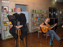 Liebe und Schmerz - Lyrik von und mit Manfred Bohn am 11.03.2011 (Stadtbibliothek Bergheim) Tags: und bohn lesung liebe manfred schmerz lyrik