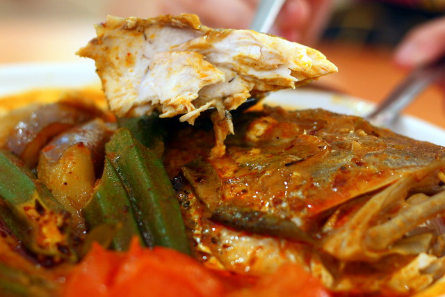Old Airport Road Curry Fish Head 077