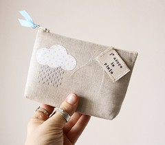 j'adore la pluie (pilli pilli) Tags: cloud rain weather french cloudy handmade linen embroidery sewing tag polkadots pouch stamping etsy applique stamped zakka zipperedpouch appliqu craf sashiko sashikoembroidery pillipilli adorelapluie