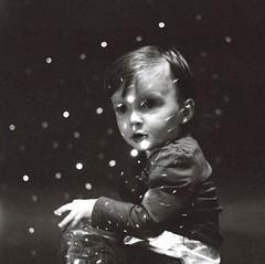 [フリー画像] 人物, 子供, 少年・男の子, モノクロ写真, 201103240700