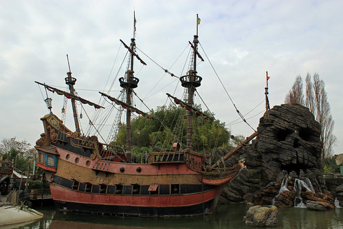 The Jolly Roger and Skull Rock