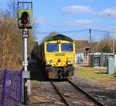 The Penultimate Binliner? (JohnGreyTurner) Tags: uk train town br diesel transport shed engine rail railway 66 fred locomotive oxfordshire binliner bicester freightliner class66
