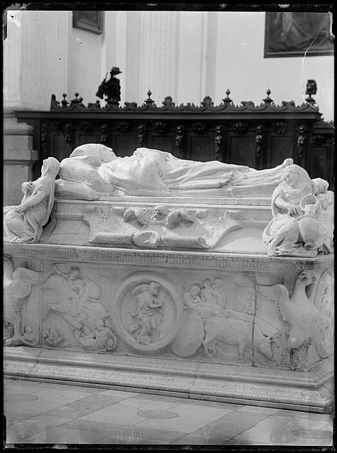 Sepulcro del Cardenal Tavera hacia 1880. Fotografía de Casiano Alguacil