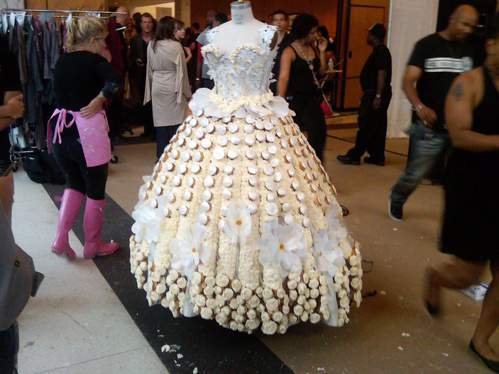 Maple cupcake wedding dress by Georgetown Cupcake and Thin Mint Girl ...