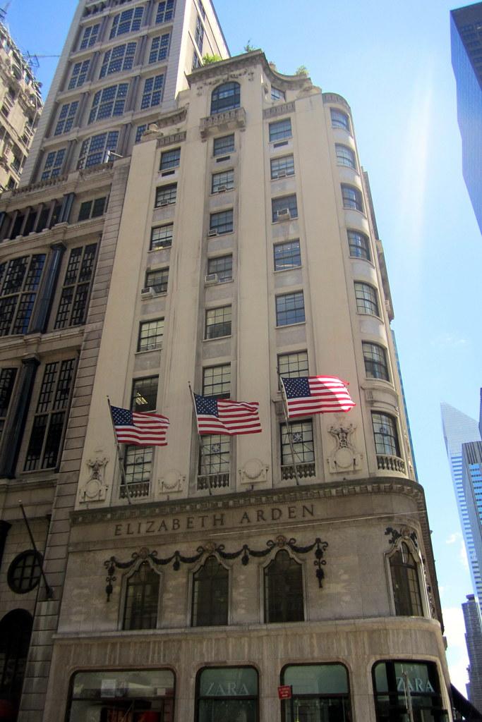 NYC - Midtown: Elizabeth Arden Building