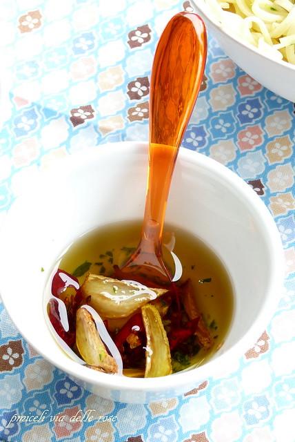 Olio all'aglio e peperoncino