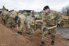 Soldiers Fill Sandbags During Flooding (Defence Images) Tags: uk army support flooding military gloucester soldiers british defense defence floods personnel humanitarianaid grd innsworth identifiable floodrelief arrc militaryassistance alliedrapidreactioncorps gloucestershiregl3 oppitchpole