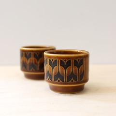 Heirloom. (Kultur*) Tags: vintage vintagehousewares kitchen dining serving 1970s stoneware englishstoneware brown hornsea heirloom england hornseapottery eggcup