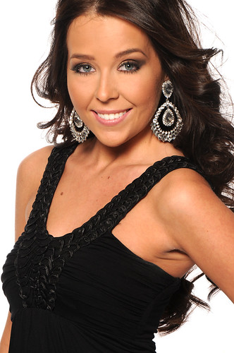 Miss Canada Universe 2009 photoshoot