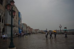 It's such a dark day and it's only 4 pm (bunnyattackphoto.) Tags: venice rain pier muelle lluvia venecia