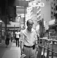 Hong Kong 2010 (BckWht) Tags: rolleiflex hongkong 香港 tmax100 35e sheungwan xenotar 上環