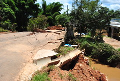 Doao Para as Vitimas das enchente de Socorro, So Paulo. Janeiro de 2011 (Pitu Prates) Tags: doao enchente desastre