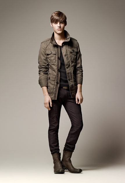 Robbie Wadge0328_Burberry Blue Label SS11