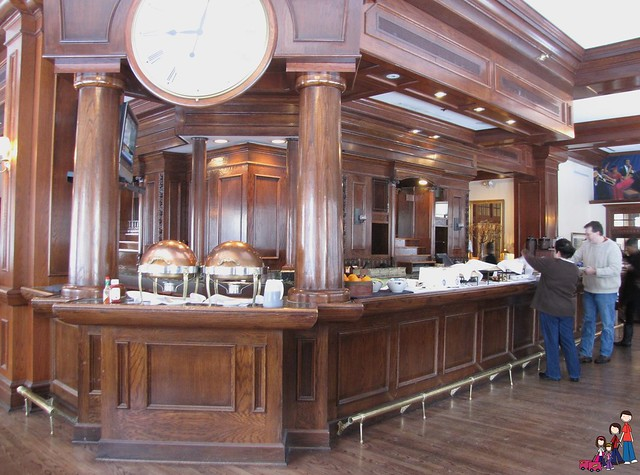 Breakfast Buffet at the Mahogany Grille, Omni Majestic, St. Louis