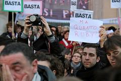 ...dimmi quanto quanto quanto (Angelo Talia) Tags: italy rome roma del se italia talia piazza ora angelo ruby non 13 popolo quando febbraio 2011