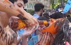 Trote violento: calouros forçados a ingerir bebida