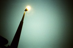 .. (dreifachzucker) Tags: film analog schweiz switzerland lomo lca xpro crossprocessed december suisse streetlamp slidefilm analogue 2010 agfarsxii kestenholz lomographylca autaut december2010 neckcracker lomographyxproslidefilm lomoxpro200