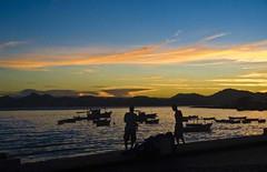 amanhecer na praa xv (<lu filizola>) Tags: mar barcos amanhecer pescadores praaxv solnascente duetos