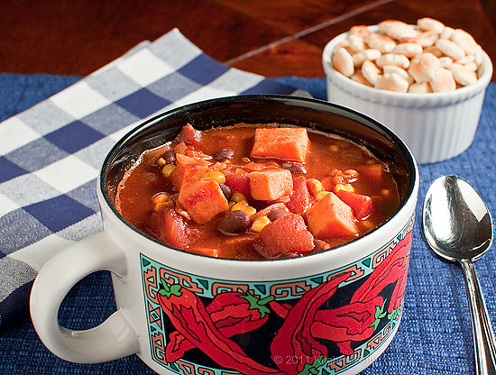 Sweet Potato and Black Bean Chili with Oyster Crackers